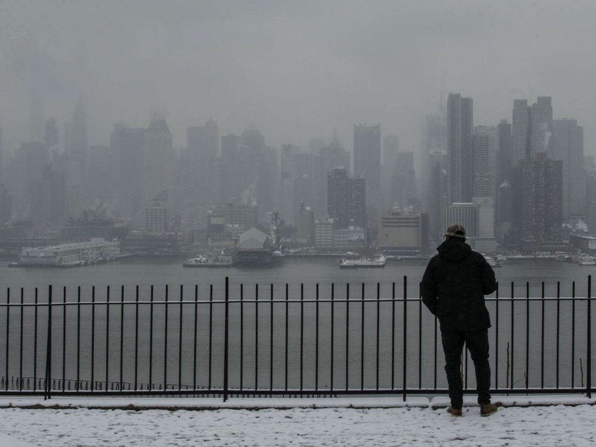 NYC braces for Tuesday snow flurries, chilly weather