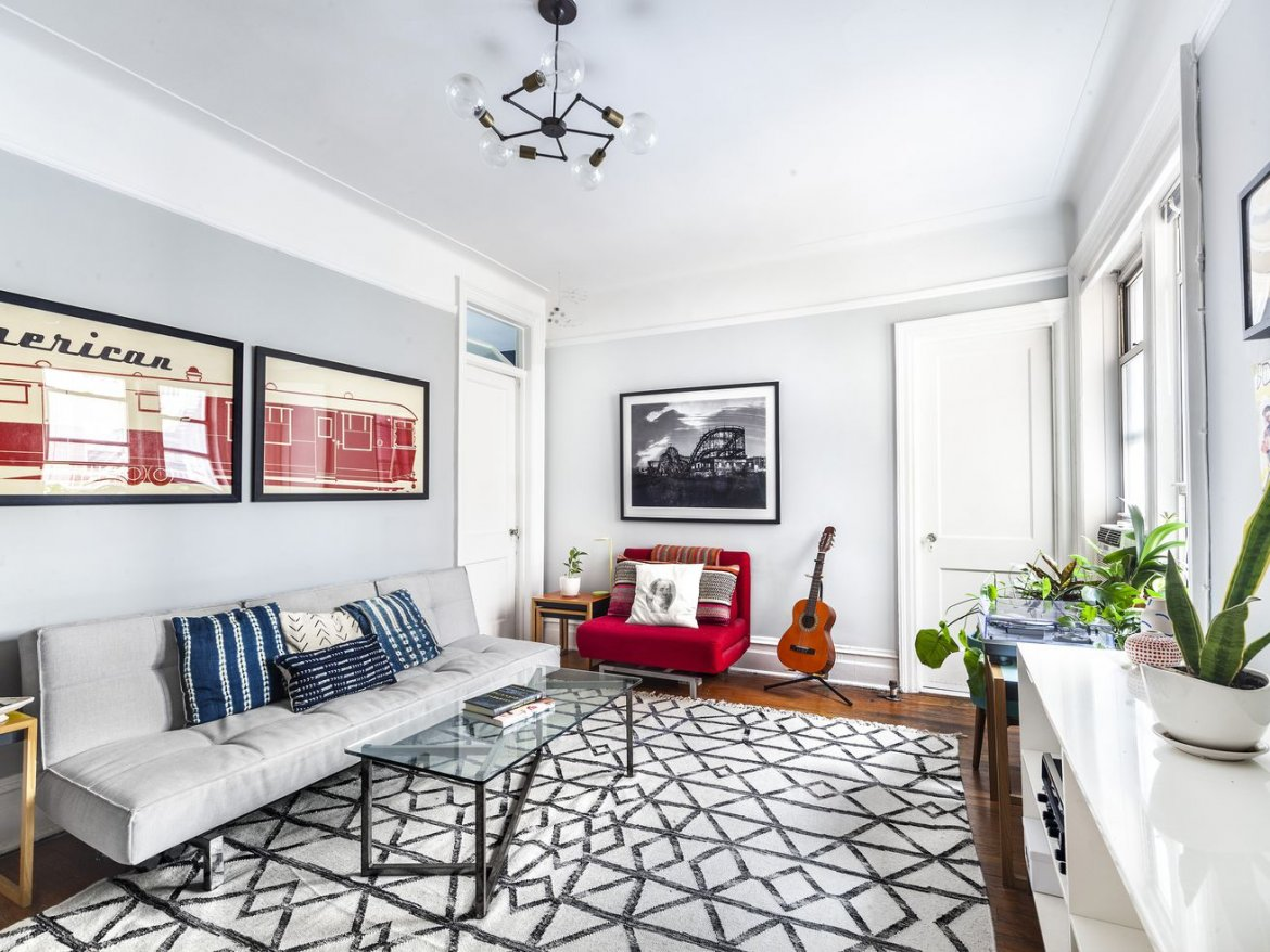 Brooklyn Heights One-Bedroom With Sharp Kitchen Reno, Micro Claw-foot Tub, for $675K